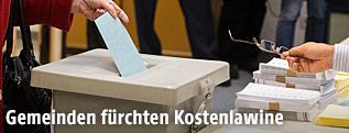 Stimmabgabe bei Wahl