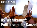 Prediger mit Bibel
