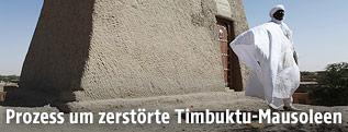 Mann von Mausoleum in Timbuktu