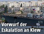 Schiffe im Hafen von Sewastopol