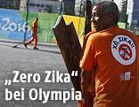 """Mann mit einem T-Shirt mit der Aufshrift """"Xo, Zika"""""""