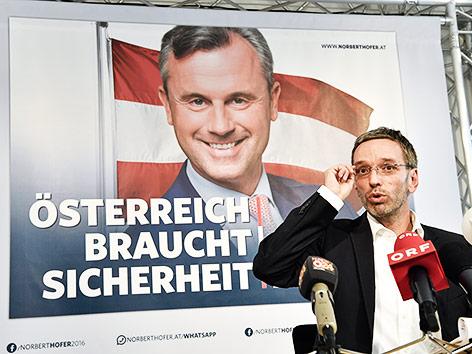 Herbert Kickl bei der Präsentation der neuen Wahlplakate