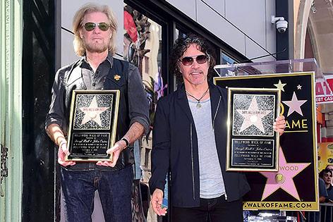 Daryl Hall und John Oates mit ihrem Stern am Wald of Fame