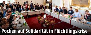 Konferenzsaal im Rahmen des Flüchtlingsgipfes in Wien