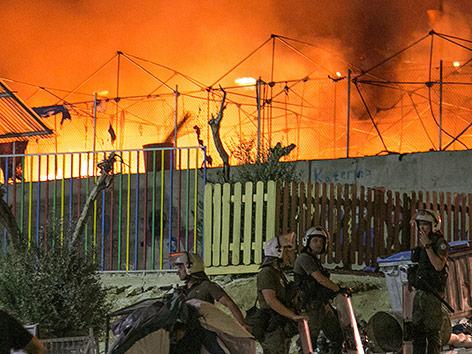 Brand in Flüchtlingslager auf Lesbos