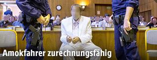 Der Angeklagte Alen R. vor Beginn des Prozesses im Straflandesgericht in Graz