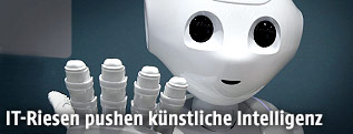 Ein humanoider Roboter
