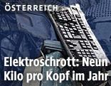 Tastatur auf einem Schrotthaufen