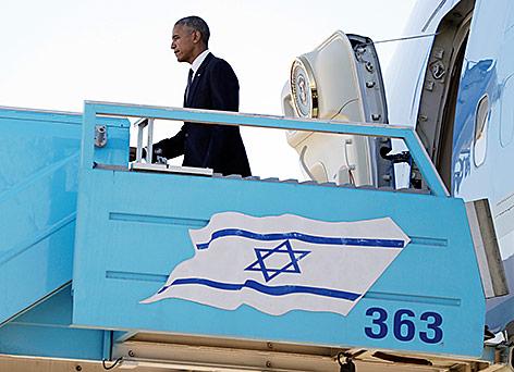 US-Präsident Barack Obama verlässt Flugzeug in Israel