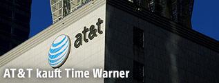 AT&T Logo auf einem Gebäude