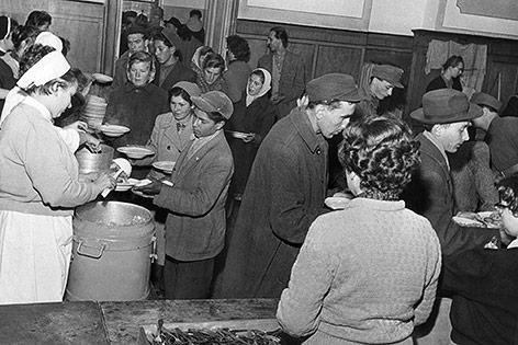 Ungarische Flüchtlinge in Traiskirchen, 1956