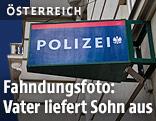 Schild vor Polizeiwache