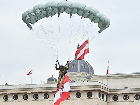 Fallschirmspringer des Bundesheeres