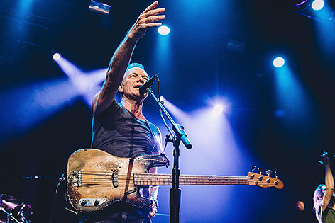 Sting im Bataclan Club in Paris