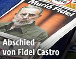 Zeitungen mit der Todesmeldung von Fidel Castro