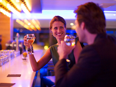 Date an einer Bar