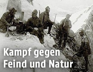 Soldaten im Ersten Weltkrieg in den Dolomiten