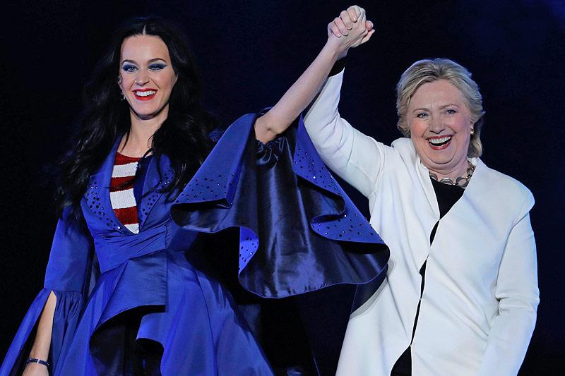 US-Sängerin Katy Perry mit Hillary Clinton