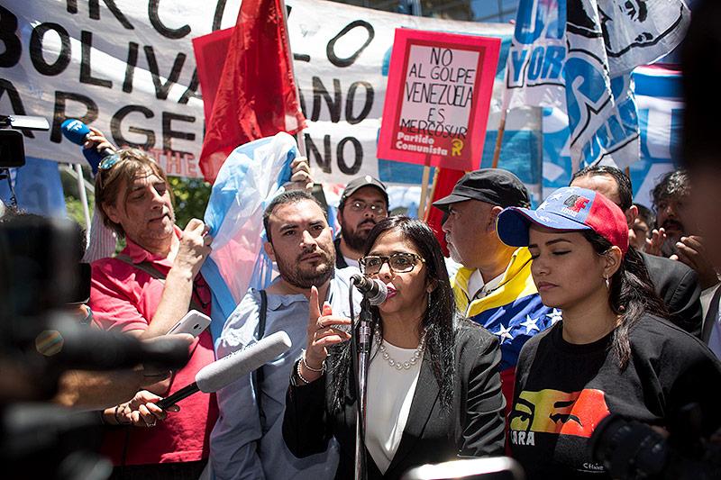 Die venezolanische Außenministerin Delcy Rodriguez spricht vor dem argentischen Außenministerium