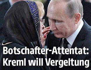 Russlands Präsident Wladimir Putin beim Begräbnis des russischen Botschafters