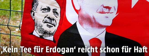 Porträt des türkischen Präsidenten Recep Tayyip Erdogan auf Fahnen