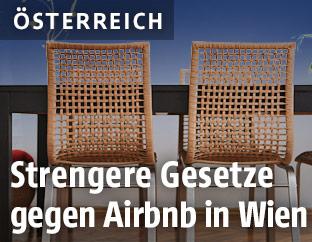Stühle in einer Wohnung