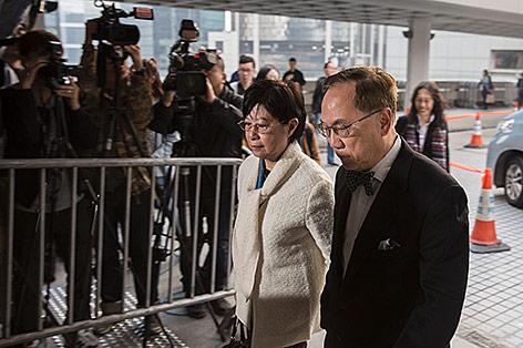 Frühere Hongkonger Regierungschef Donald Tsang und seine Ehefrau