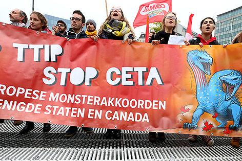 Demonstranten gegen CETA