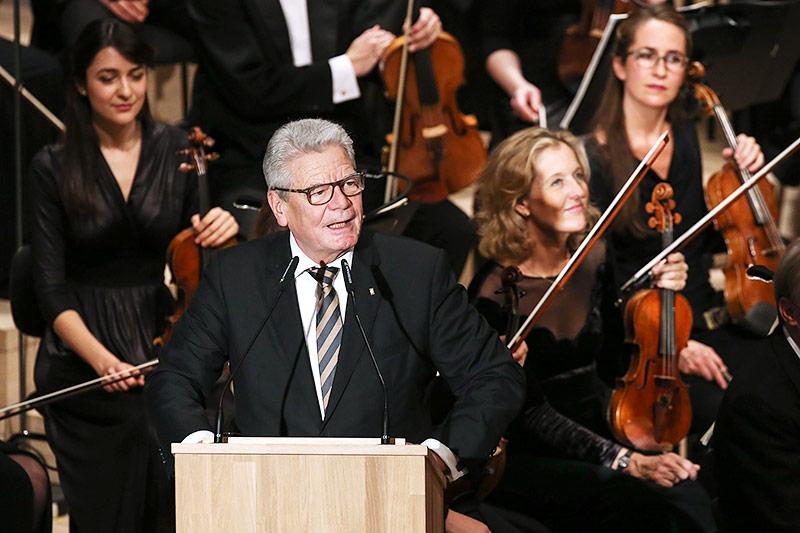 Der deutsche Bundespräsident Joachim Gauck während seiner Eröffnungsrede in der Elbphilharmonie in Hamburg