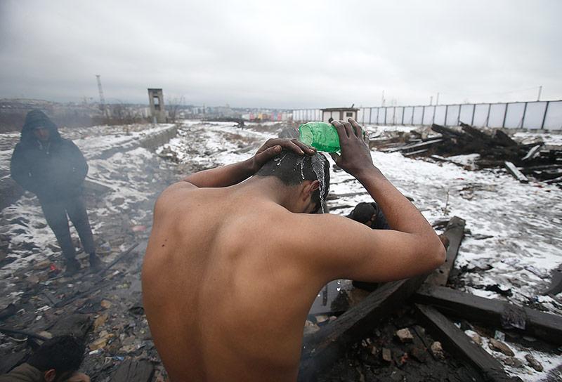 Flüchtlinge in einem Lager in Belgrad