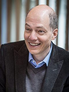 Autor, Philosoph und Gründer der School of Life, Alain de Boton