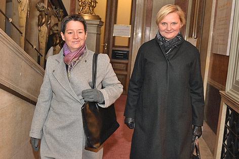 Die Wiener Stadträtin Sandra Frauenberger und Sonja Wehsely