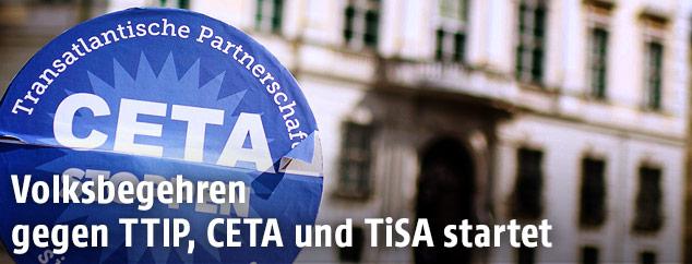 Anti-CETA-Proteststicker vor dem Bundeskanzleramt in Wien