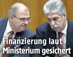 Justitzminister Wolfgang Brandstetter (ÖVP) und Finanzminister Hans Jörg Schelling (ÖVP)