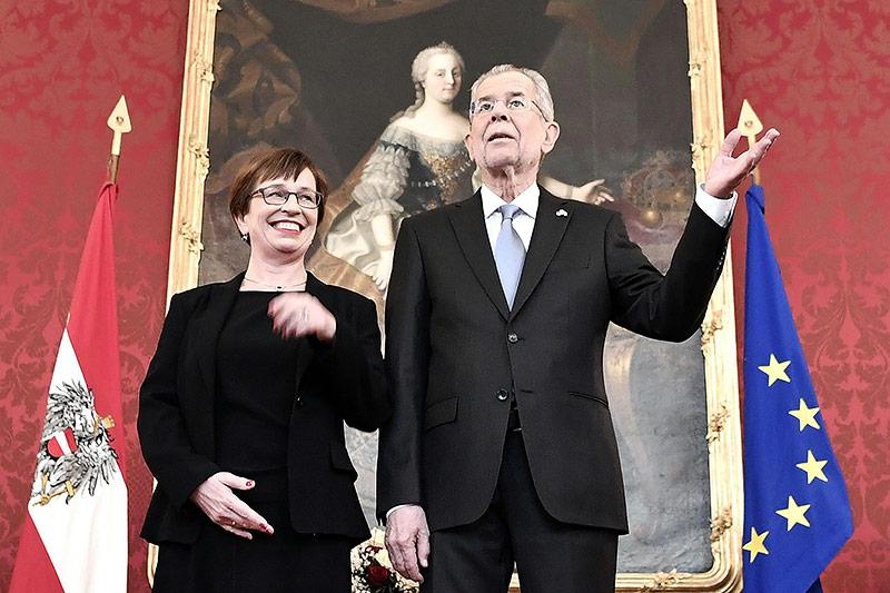Bundespräsident Alexander Van der Bellen und seine Frau Doris Schmidauer