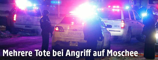 Polizei vor der Moschee