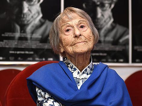 Умерла секретарша Геббельса Ticker_pomsel_afp.4735797