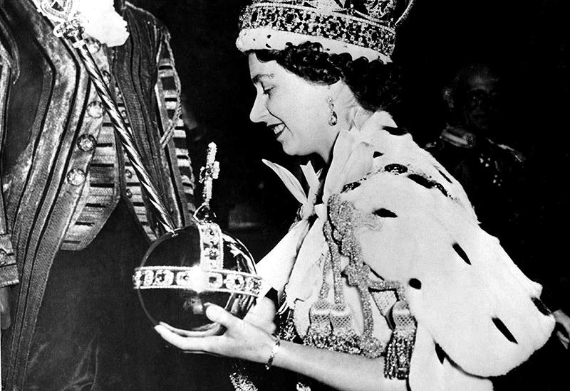 Queen Elisabeth II bei der Krönung