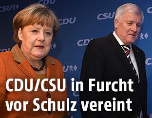 Deutschlands Kanzlerin Angela Merkel und der Chef der Schwesterpartei CSU, Horst Seehofer,