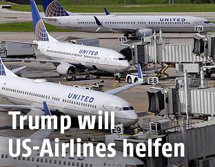 United-Airlines-Flugzeuge am Flughafen