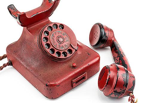 rotes Telefon aus dem Besitz von Adolf Hitler