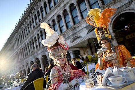 Kostümierte in Venedig