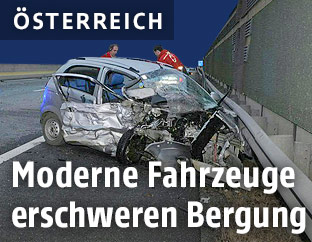 Schwer beschädigtes Unfallauto