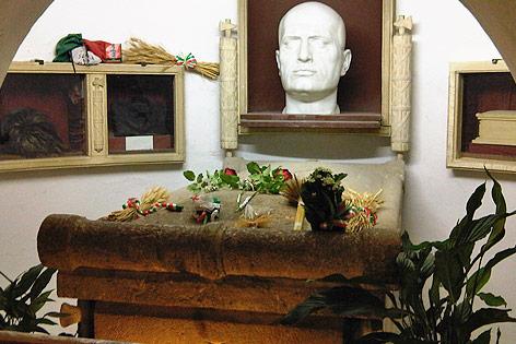 Mussolinis Gruft in Predappio
