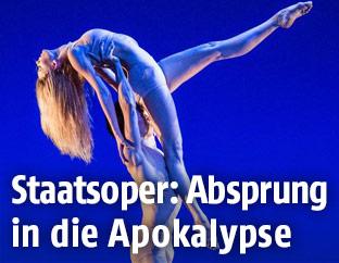 Szene aus John Neumeiers Ballett