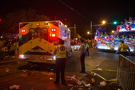 Rettungskräfte an der Unglücksstelle