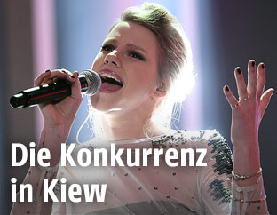 """Deutsche Sängerin Isabella """"Levina"""" Lueen"""