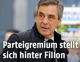 Französischer Präsidentschaftskandidat Francois Fillon vor dem Parteigremium der Republikaner