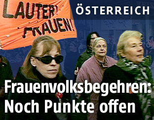 Frauen demonstrieren auf der Straße