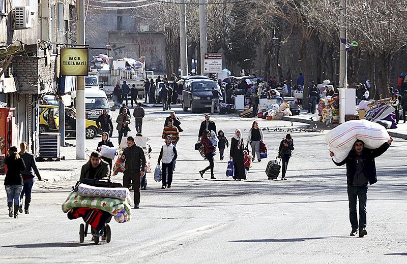 Kurden fliehen aus einer Stadt im Südosten der Türkei